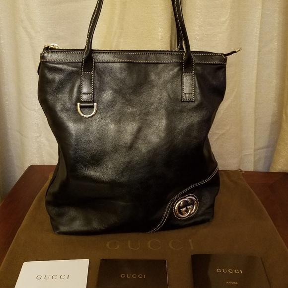 7b9a515d4d1 Gucci Handbags - Gucci Black Leather Britt Tote